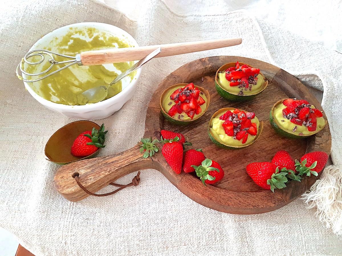 Abacate com frutos - 1