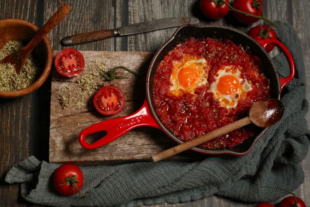 Tomatada com Ovos Escalfados