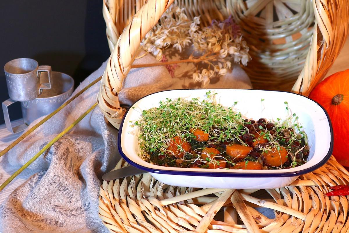 Feijão Azuki com espinafres e cenoura